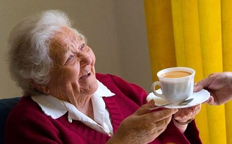 I drink tea with oldladies