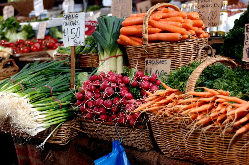 fruit-vegetables-1-1050x697